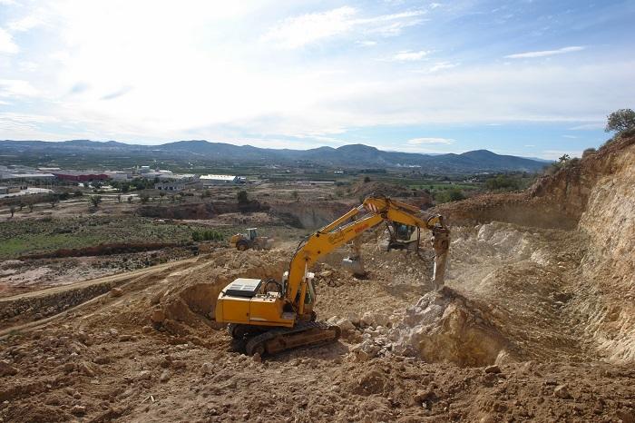 Obras de construcción del nuevo depósito de agua.