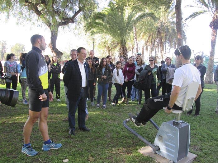 El alcalde de Bétera ha inaugurado hoy el gimnasio al aire libre.