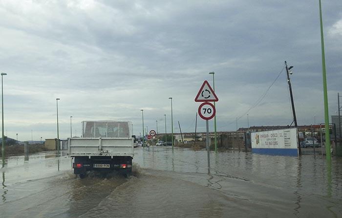 Corte de la carretera CV35 entre la Pobla a l'Eliana