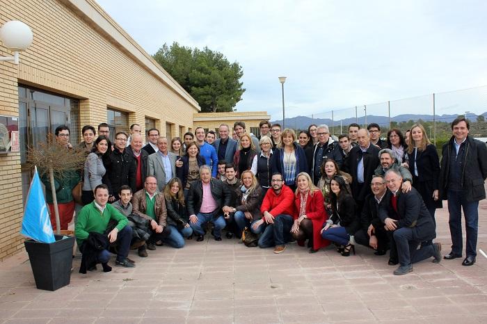 Alberto Fabra, con los alcaldes y portavoces populares de la comarca de Camp de Túria, en Llíria.