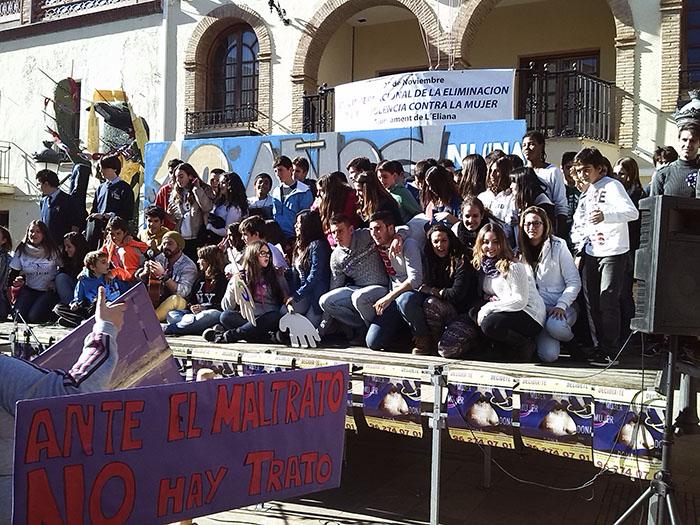 Concentración frente Ayuntamiento de l'Eliana