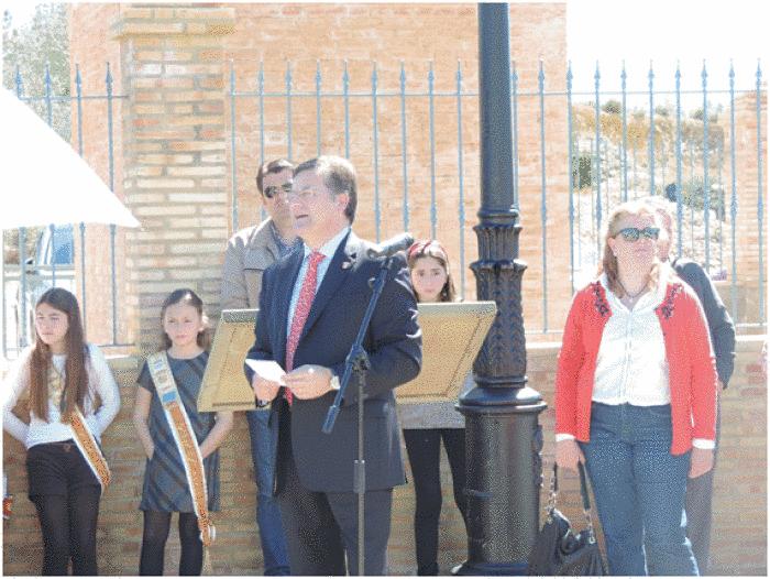 El alcalde Casinos inauguró el nuevo parque municipal de San Roque.