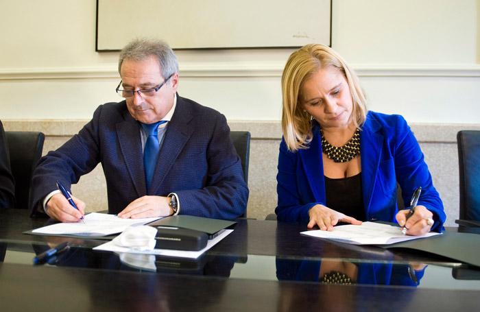 Rus y Contelles firman el acuerdo de colaboración