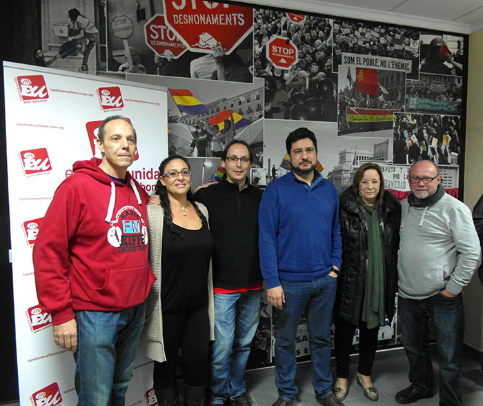Javier Descalzo y el candidato a la Generalitat Ignacio Blanco, en la nueva sede de EU de la Pobla.