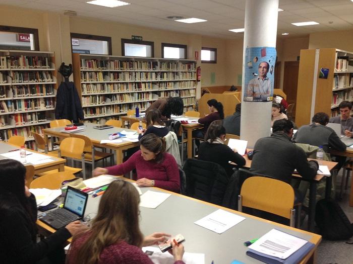 Biblioteca municipal de La Pobla de Vallbona.