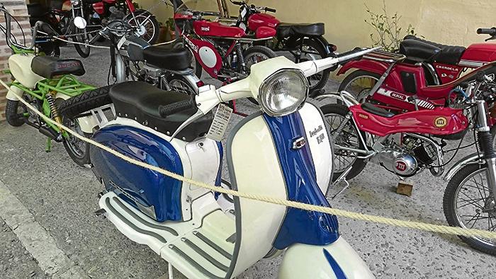II Mostra de Motos Antigues de La Pobla de Vallbona