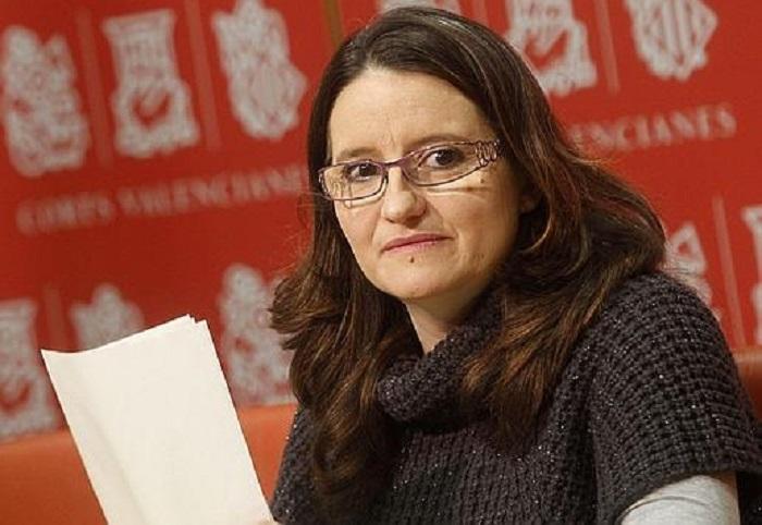 La diputada y candidata de Compromís a la Generalitat, Mónica Oltra, en Les Corts.