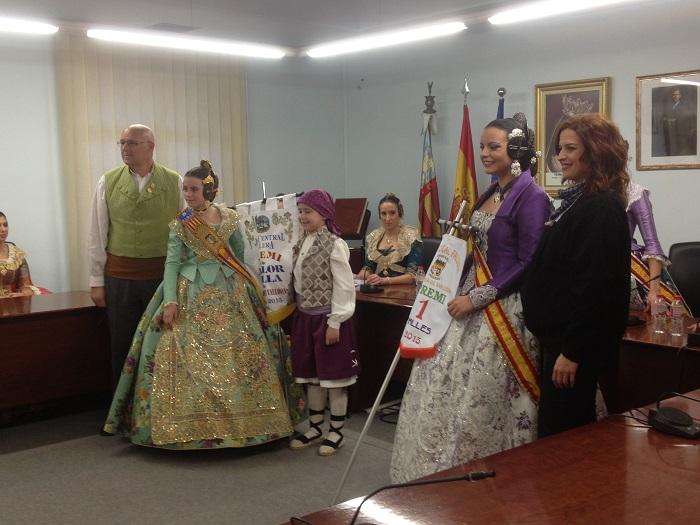 Acto de entrega de premios a las comisiones falleras en el Ayuntamiento de La Pobla celebrado ayer.