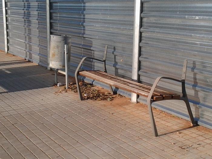 Desperfectos en el mobiliario urbano