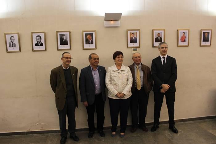 El alcalde de Llíria, Manuel Izquierdo, en la inauguración de la exposición celebrado ayer.