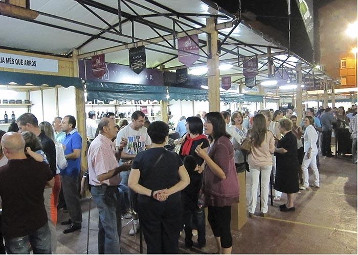 El Ayuntamiento de Llíria impulsa la ruta de la tapa y la feria gastronómica 'a mos redo'.