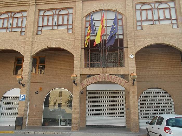 El pleno regulariza la situación de dos trabajadoras del Ayuntamiento de Llíria tras una inspección de la Seguridad Social