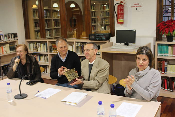 Josep maria jord n dona su fondo bibliogr fico a la red - Biblioteca l eliana ...