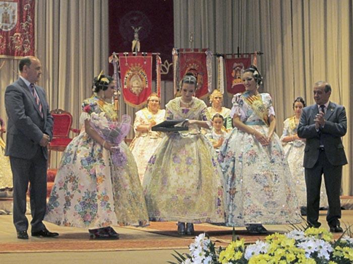 las falleras mayores de Llíria del 2014, en su acto de exaltación.