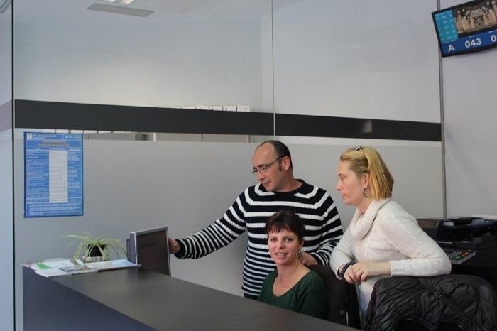 Los nuevos trabajadores se han incorporado hoy a sus puestos en el Ayuntamiento de Llíria.