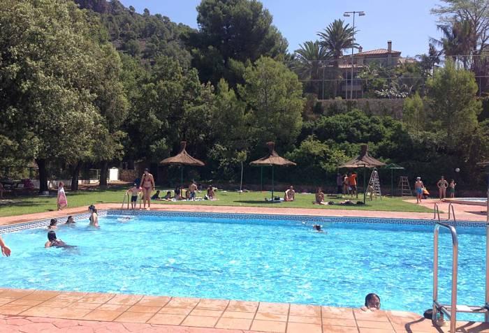 La piscina de verano abrir sus puertas el 30 de junio con for Piscina municipal lliria