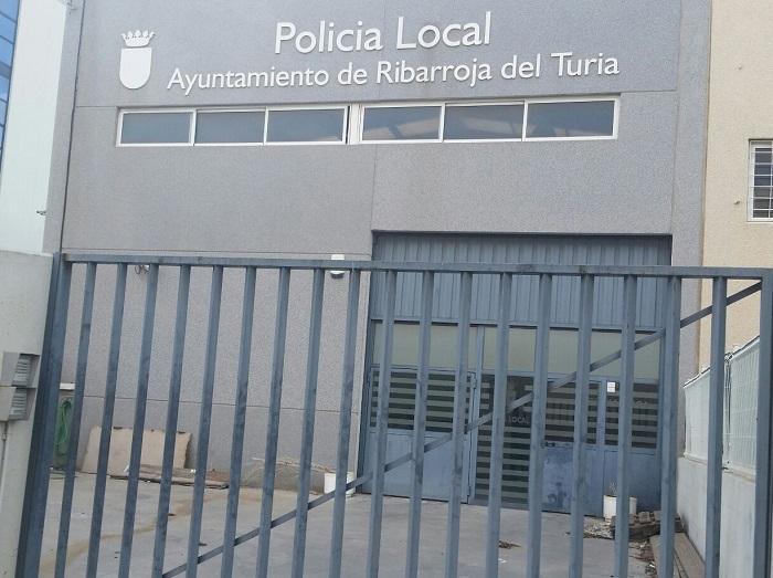Retén de la Policía Local l'Oliveral clausurado en el año 2011.
