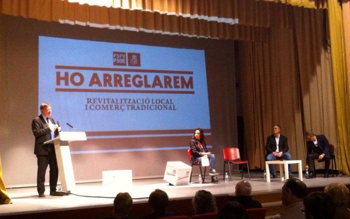 El candidato del PSPV a la Generalitat, Ximo Puig, en el acto celebrado ayer en Llíria.