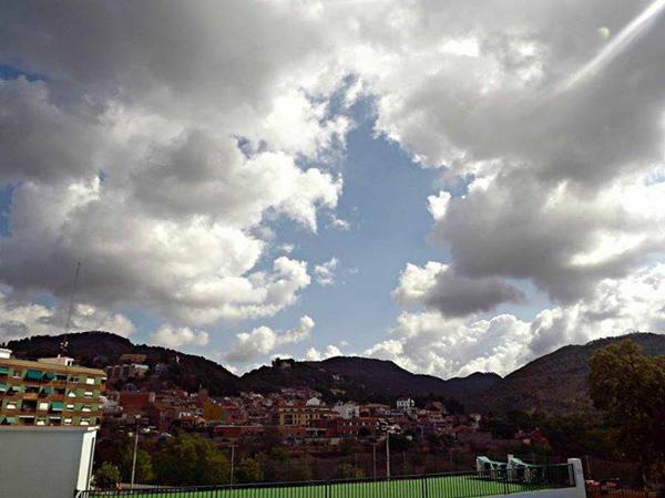 El municipi de Serra amb la Calderona al fons