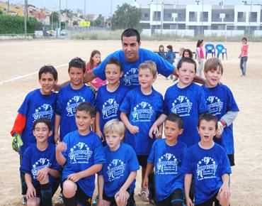 El equipo de pre-benjamines de San Antonio de Benagéber logra el título de campeón con una goleada (12-1) ante el Mislata UF