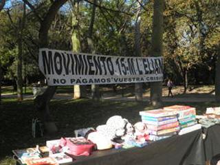 El parque de l'Eliana acogió el Mercado de Trueque en una soleada mañana dominical el Camp de Túria