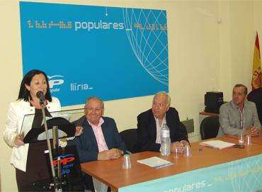 El PP celebra un acto en su sede en Llíria comarca del Camp de Túria
