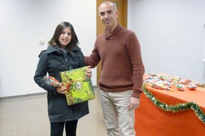 Paola Marín guanya el concurs de targetes nadalenques