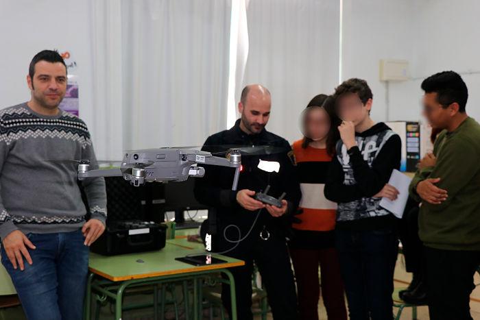 Charla-dron-IES-Camp-de-Túria llíria