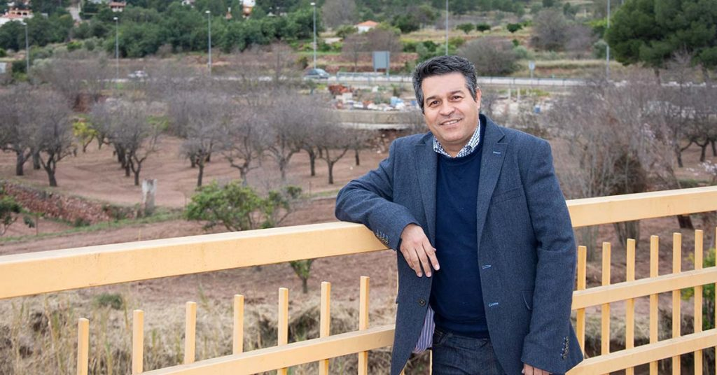 Antonio Ropero en los campos de Olocau