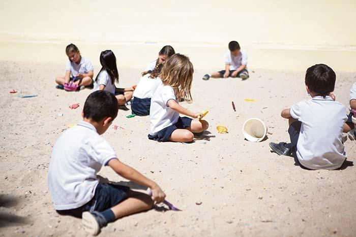Niños en Entrenaranjos International School