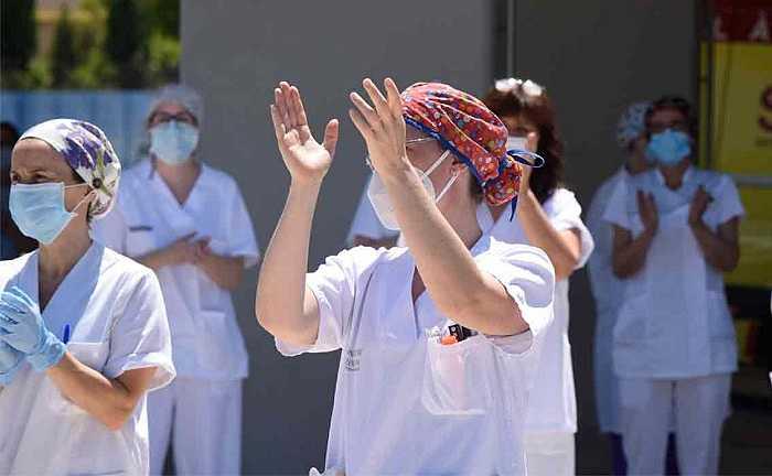 enfermera hospital de lliria aplauso