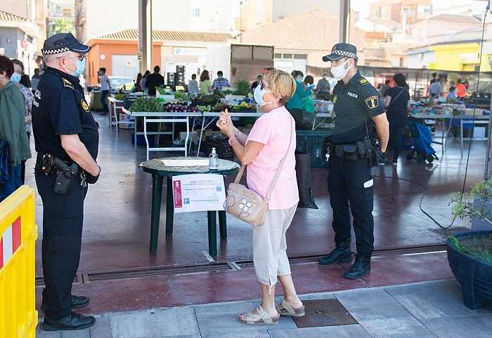 mercado la pobla policia
