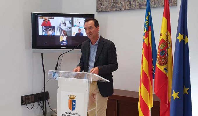 Robert Raga, alcalde de Riba-roja de Túria en rueda de prensa