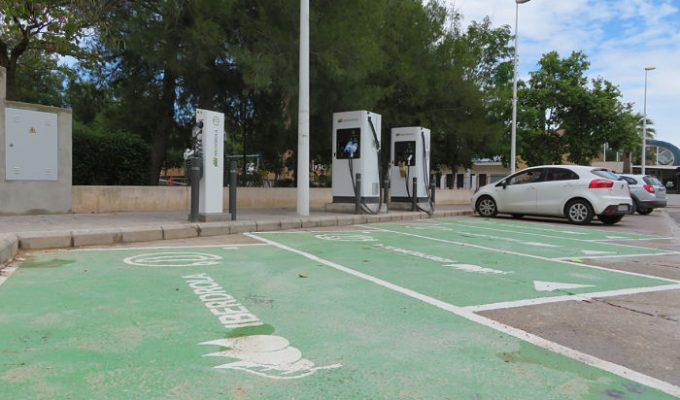 Punto-carga-vehículos-eléctricos_Llíria Camp de Túria
