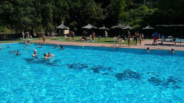piscina olocau
