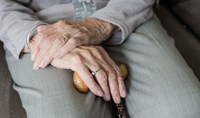 ancianos cuidados