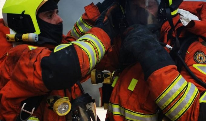 bomberos incendio fábrica Bétera
